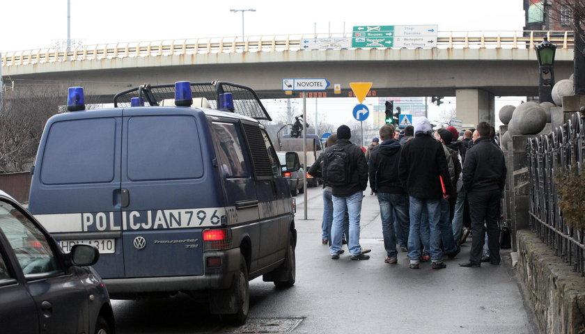 W 2012 roku pod komendą policji w Gdańsku ustawiały się tłumy chętnych do pracy