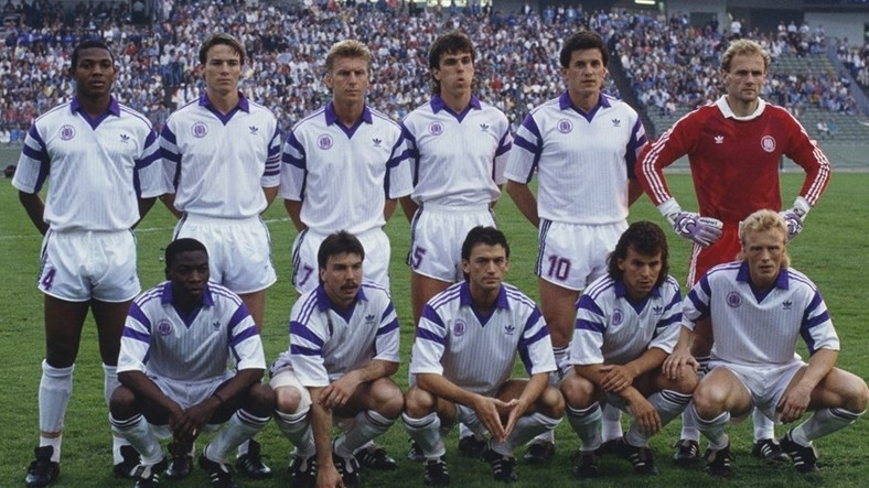 Stephen Keshi (top left) played in the E 1990 European Cup Winners' Cup final with Anderlecht in 1990 (Getty Images)