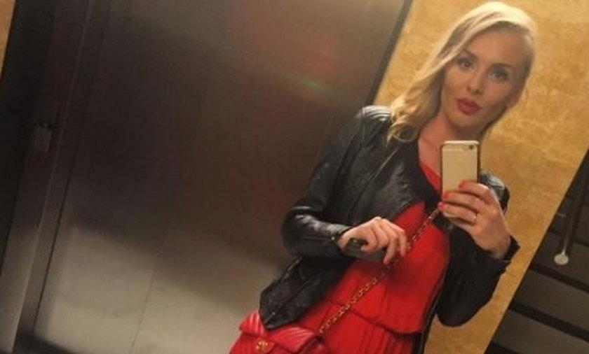 Izabela Adamczyk w czerwonym kombinezonie