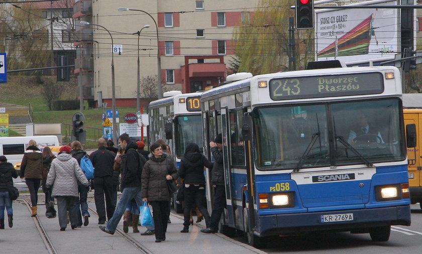 tramwaj przystanek autobus