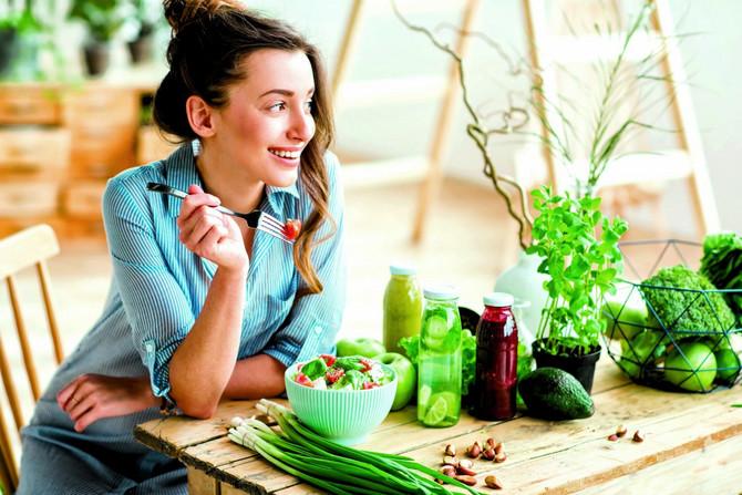 Jedite redovno ribu, maslinovo ulje, pasulj, brokoli, orašaste plodove i bobičasto voće