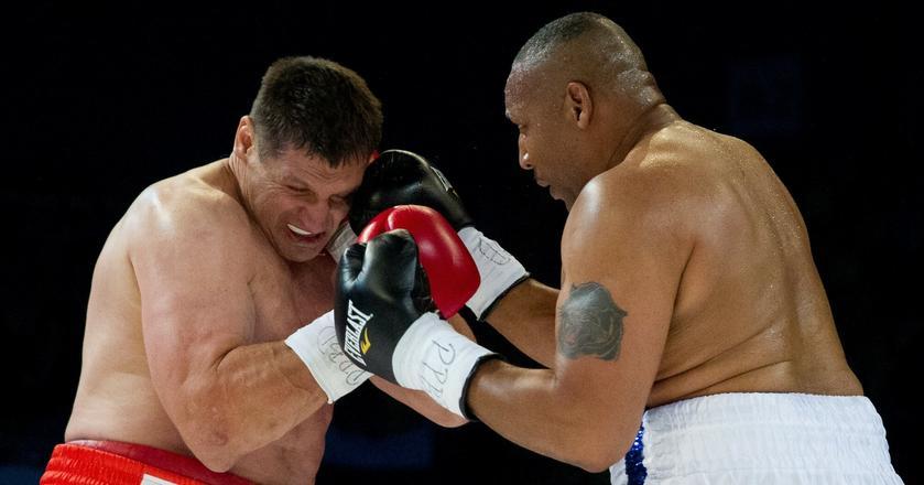 Złoty przez koretkę na giełdach wychodzi mocno poobijany. Na zdjęciu: Gala boksu w Częstochowie Gołota vs. Nicholson