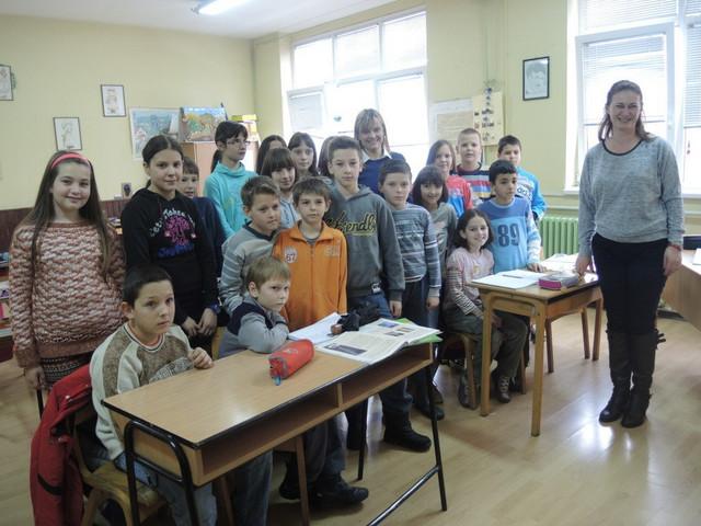 Strahinja sa drugovima i učiteljicom