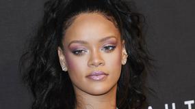Rihanna w dziewczęcej stylizacji. Pasuje jej ta kreacja?