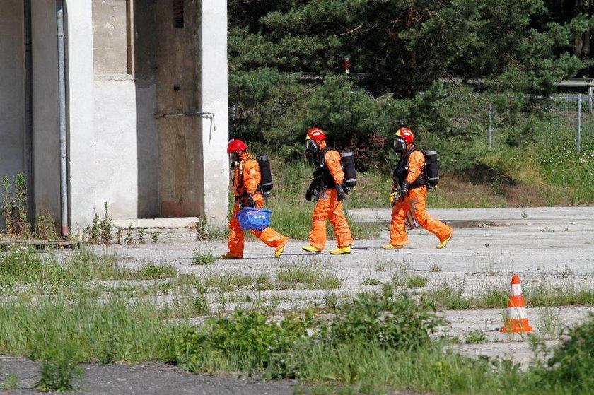 Zbiorniki z odpadami 50 tys litrów w Dąbrowie koło Opola.