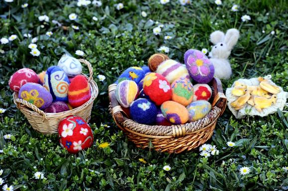 Danas su popularne mnoge druge tehnike šaranja jaja, ali su pojedini motivi uglavnom isti