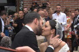 UMALO SE SAPLELA Dok je izlazila iz kočije Aleksandri venčanica ZADALA MUKE (VIDEO)