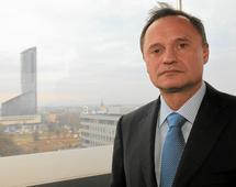Leszek Czarnecki we wrześniu sprzedał akcje LC Corp. za 480 mln zł. Teraz dobrze poinformowane źródła mówią o sprzedaży Idea Banku
