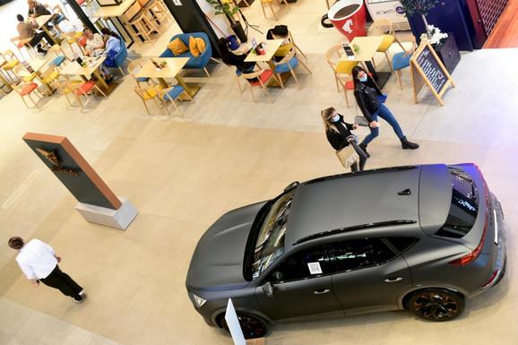 Sve najbitnije o NAJNOVIJIM MODELIMA koji su izloženi na Galeriji automobila: Elegancija, brizna i MOĆ (VIDEO)