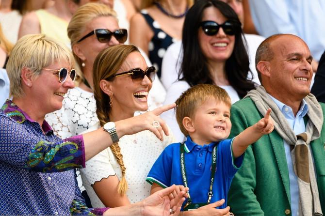 Jelena sa Stefanom u finalu ovogodišnjeg Vimbldona: Nole je pobedio i trijumf posvetio porodici