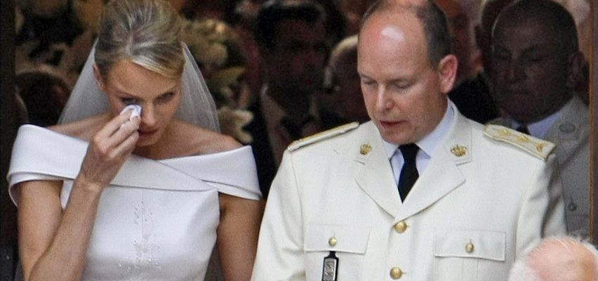 """Małżeństwo księcia Alberta z Charlene zostało zaaranżowane? """"Wybrał żonę, która przypominała jego matkę"""""""