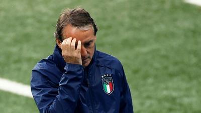 Italy's old warriors Bonucci and Chiellini win battle over England