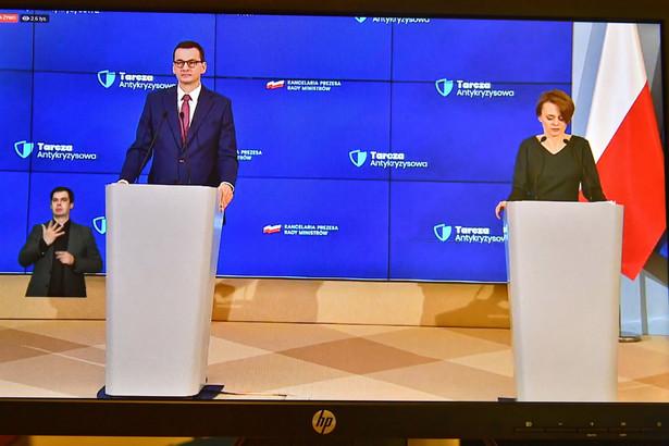 Premier Mateusz Morawiecki oraz minister rozwoju Jadwiga Emilewicz