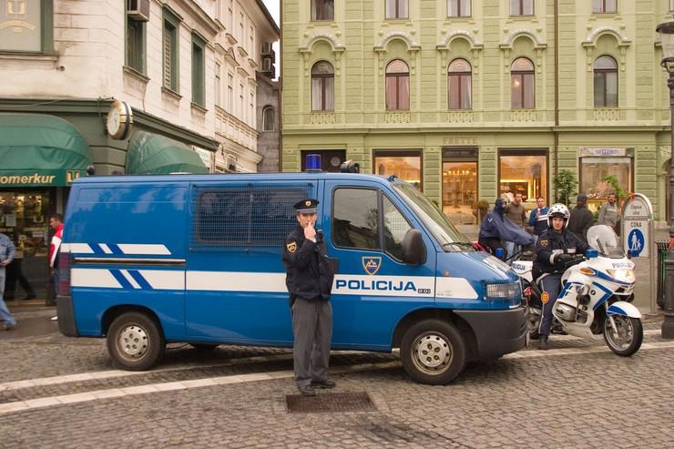 Slovenija policija