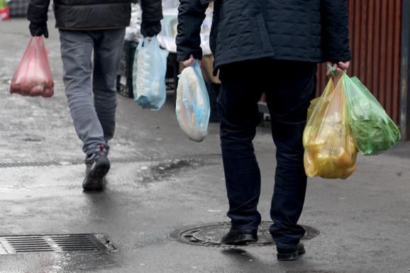 Od 1. januara u Beogradu su ZABRANJENE PLASTIČNE KESE, ali su inspektori na terenu dobili specijalna UPUTSTVA