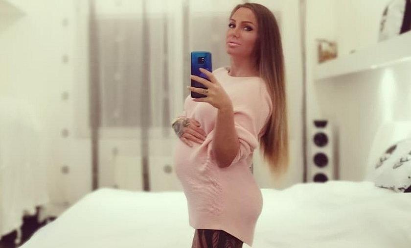 Polska raperka jest w siódmym miesiącu ciąży. Urodzi w więzieniu?