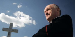 Arcybiskup przeprasza za profanację pod krzyżem