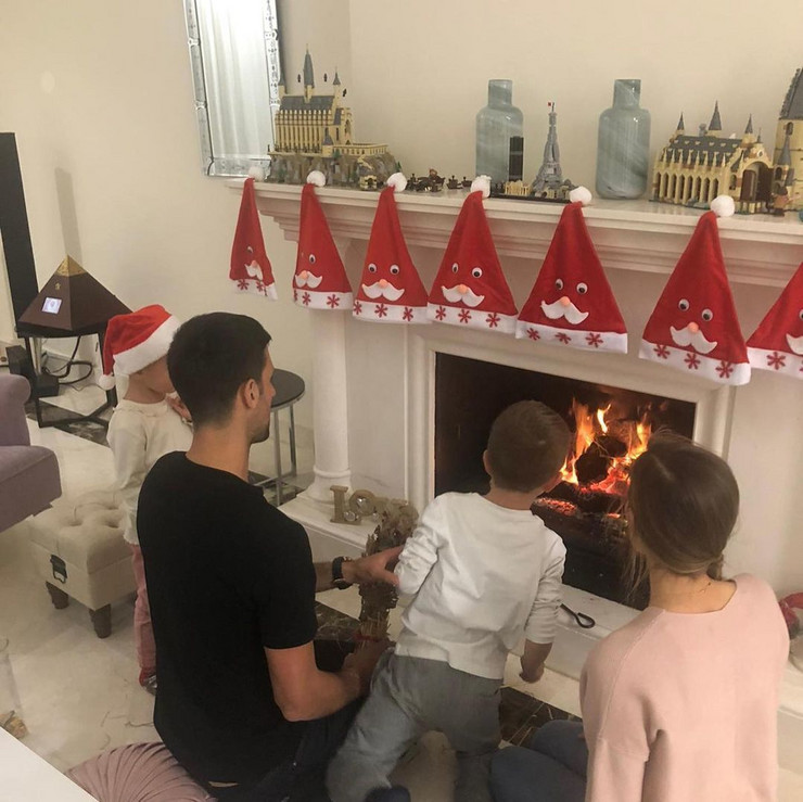 Novak Đoković sa porodicom na Badnje veče