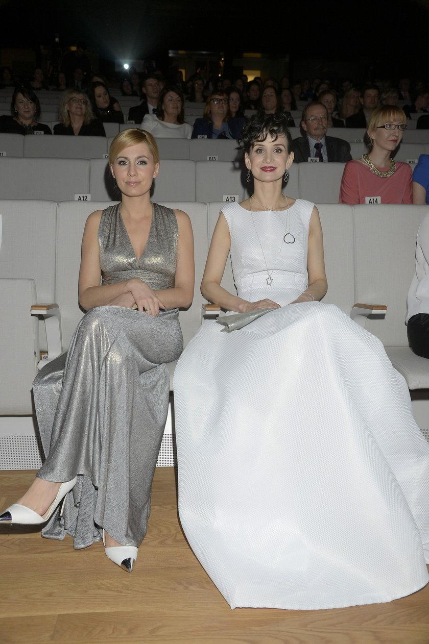 Viola Kołakowska i Agnieszka Popielewicz
