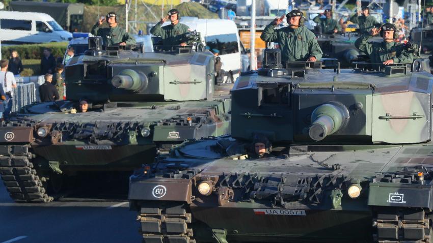 df2b0e73cddd9c Wojsko wyprzedaje zalegający sprzęt. Oferuje produkty w świetnych ...
