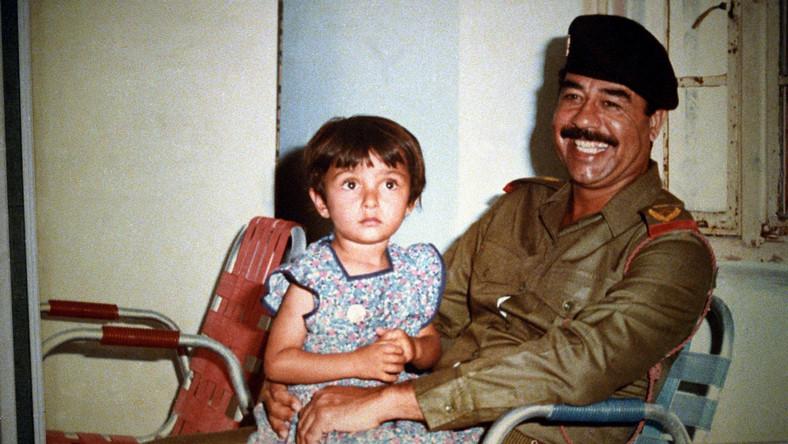 Saddam Husajn z jedną z córek z pierwszego małżeństwa