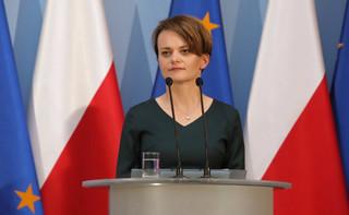 Emilewicz: Zależy nam, by pieniądze z bonu turystycznego trafiły jak najszybciej do rodzin