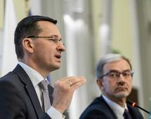 Premier Mateusz Morawiecki i minister inwestycji i rozwoju Jerzy Kwieciński