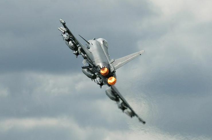 Tajfun, Velika Britanija, Avion
