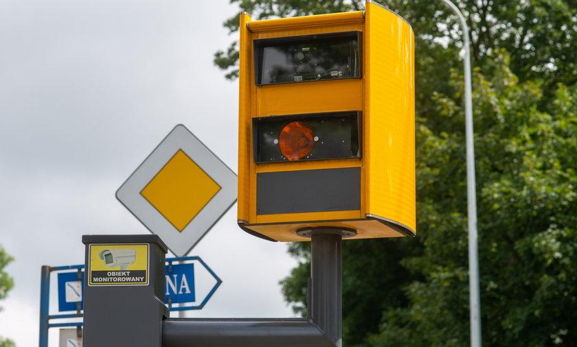 Samorządy chcą znowu stawiać fotoradary na podlegających im drogach.