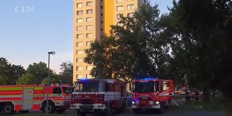 LJUDI U PANICI ISKAKALI KROZ PROZOR! Užas u Češkoj, najmanje 10 osoba poginulo u požaru u trinaestospratnici
