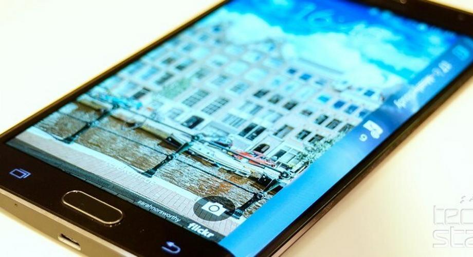 Samsung stellt Galaxy Note Edge mit flexiblem Display vor