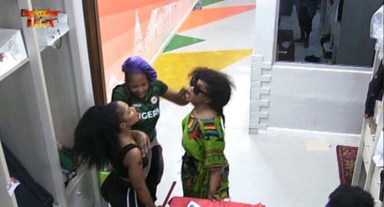 Mercy and Tacha fight dirty after early morning exercise. [Twitter/BBNaija]