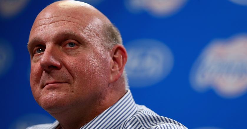 Steve Ballmer pełnił funkcję prezesa Microsoftu przez 14 lat. Obecnie jest właścicielem drużyny NBA Los Angeles Clippers