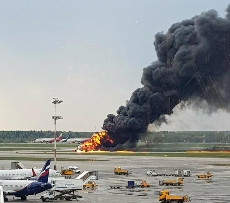 Avion, Moskva, požar