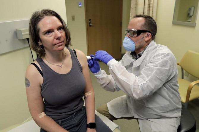 Dženifer Holer sa lekarom