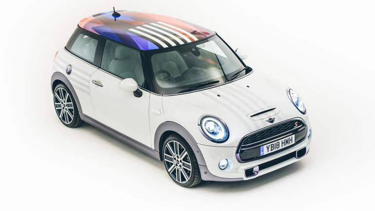 Okolicznościowa wersja Mini Coopera S z okazji ślubu księcia Harry-ego