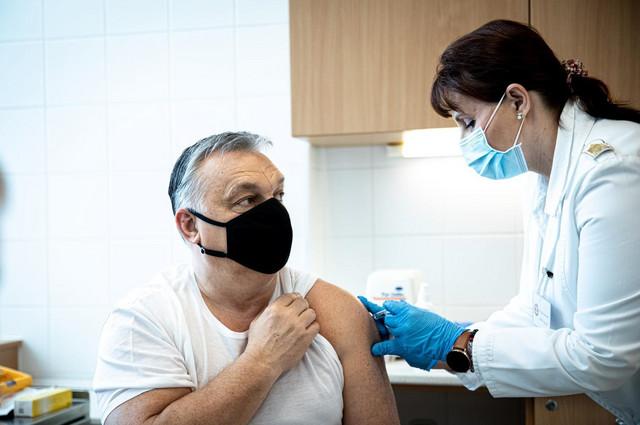 Orban prima vakcinu
