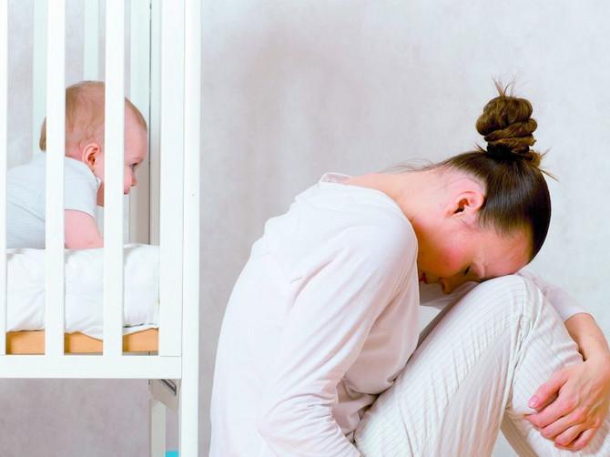 Kad mama PLAČE više od bebe: Svi simptomi depresije i šta je ZNAK ZA UZBUNU