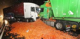 Co za zdjęcie! Wypadek TIR-ów z... marchewką