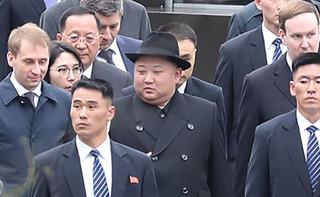 """Dlaczego Kim Dzong Nam został zamordowany? """"Kim Dzong Un. Szkic portretu dyktatora"""" [RECENZJA]"""