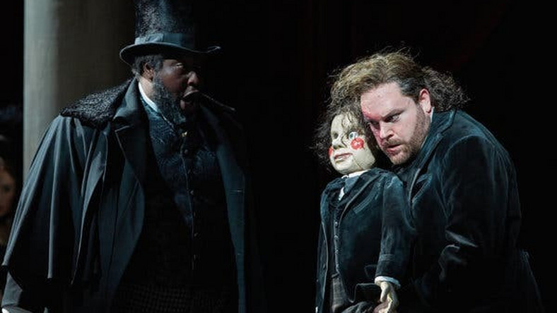 Familiar Operas are stunningly fresh in English