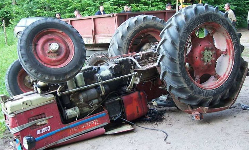 Nastolatkowie omal nie zginęli zmiażdżeni ciężką maszyną
