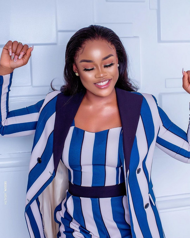 Yes, guys!!! Believe it when we say the reality TV star is now a proud owner of office space for her business in Lagos. The videos from the surprise gift presentation have already flooded social media with her fans pretty excited about it. [Instagram/CeecOfficial]