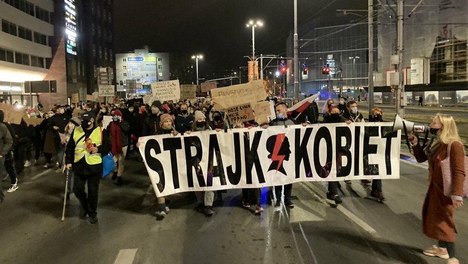 Protest kobiet. Plac Dominikański we Wrocławiu