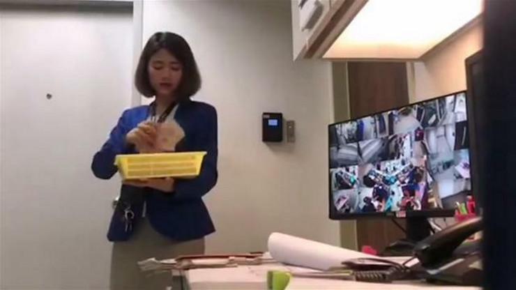 Bankarska službenica uhvaćena u krađi