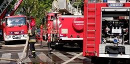 Strażak skakał z okna, by ratować kobietę