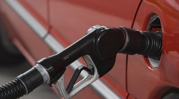 Bár szerdától visszaesik, év végére újra az egekben lesz az üzemanyagok ára /Fotó: Northfoto