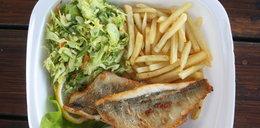 Wczasy nad morzem bez rybki ze smażalni? Winny może być polski koncern