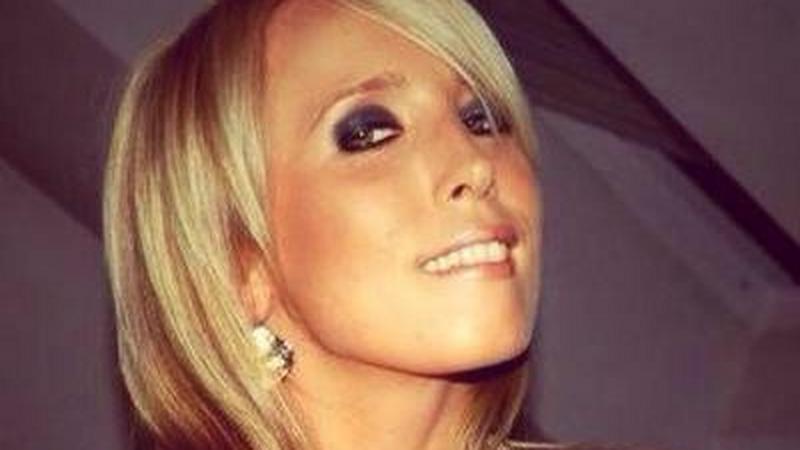 09adca4e93 Bikiniben mutatta meg tökéletes testét a magyar női autóversenyző ...