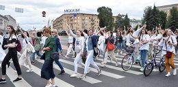 """Protest białoruskich medyków. """"Trzeba skończyć z biciem ludzi"""""""